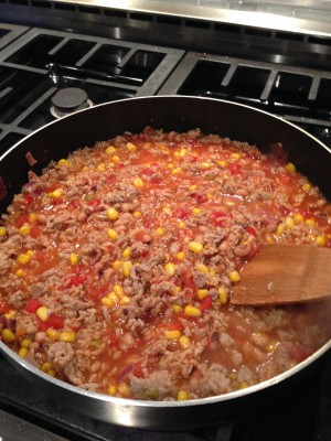 Meat, rice, and sauce all in one pan = ideal dinner!